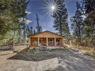 Cozy Cabin 1 block from Lake Cascade