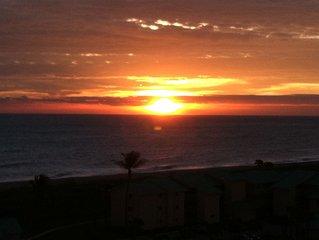 Fabulous Ocean/Island Views * Ocean Village Resort from every room + 2 balconies