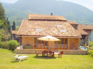Lovely spacious house with pool in the foothills of the beautiful Pyrenees