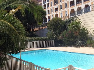 Bel appartement contemporain plein sud vue mer porte Monaco climat.wifi parking
