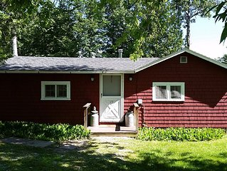 Vermont Lake Champlain Cottage - 30 minutes from  Burlington or Middlebury