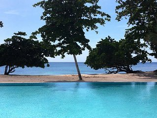 upscale 1 bedroom apartment in private beach community