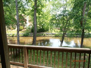 'Taste Of Wine' On The Chattahoochee River - with Hot Tub - Downtown Helen.