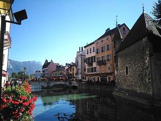 Au coeur de la vieille ville d'Annecy, un appartement chaleureux comme un chalet
