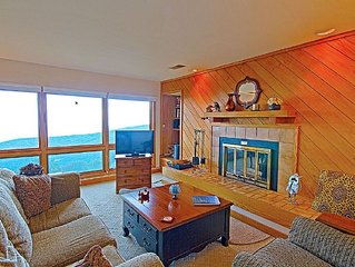 (New Listing!) 2 Bdrm Slopeside Condo, Absolutely the Best Views