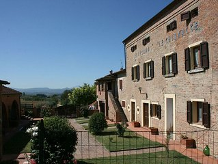 Villa in Camucia-monsigliolo with 2 bedrooms sleeps 6