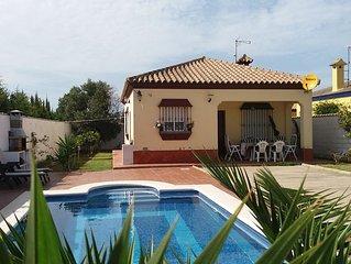 villa Les Orangers -  piscine,  clim et internet proche de la mer pour 6 -7 per
