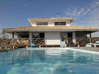 Villa ****avec piscine chauffee, en bordure du Bassin d'Arcachon, proche plages