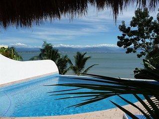 Beachfront Casa, Infiniti Pool, between LaCruz & Bucerias