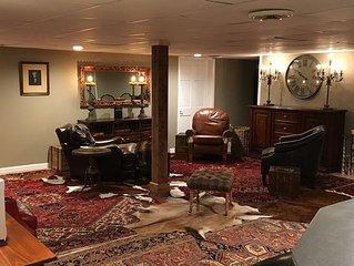 Beautiful, Spacious Basement apartment with seprate  entrance. Sleeps Six
