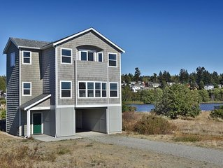 222 - Admirals Cove Seaside Getaway