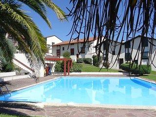 3 Pieces + mezz dans res. stand. avec piscine, vue pyrenees, wi-fi,parking