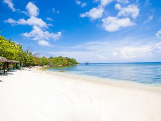 Private Luxury Beach Resort. 7 bungalows right on the beach