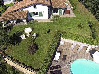 Villa con giardino grande e piscina privata e vasca idromassaggio