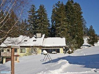 Tief verschneite Winter und heiße Sommer mit ungetrübtem Blick auf den Dachstein