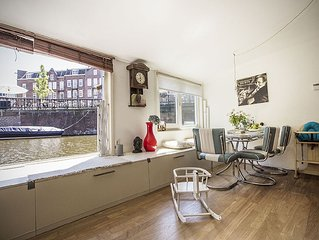 Centrally Located Family Houseboat Close To Dam Square, Museum District, Jordaan
