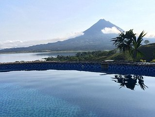 Luxury Home with Pool and Fantastic Views Of Lake Arenal And The Arenal Volcano