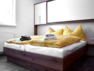 Salzburg: Apartment RIVERSIDE 1 für 1 - 10 Personen