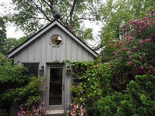 Private Cottage / Studio In Leslieville