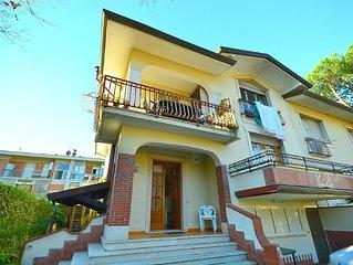 Modern Holiday Home in Massa with Garden