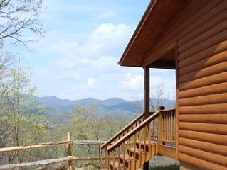 Couples Retreat with Incredible Mountain Views!