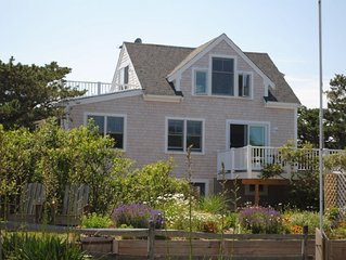 Beautiful Ocean Cottage with A/C