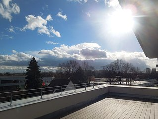 Traumhaft helle und grosszugig geschnittene Dachterrassenwohnung