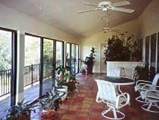 Casa Linda - elegant foothill home