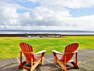 Beachfront Cabin on private, secluded Bells Beach 5 minutes from Langley Village