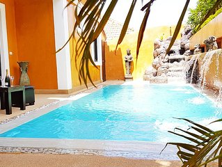 HIDE LAND - PATTAYA - The Luxurious Tropical Villa POOL JACUZZI - GREAT LOCATION