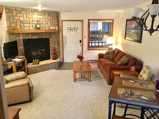 WiFi..Clean & Updated 2 Bedroom, 2 Bath w/Dish Network, BBQ grill, travel locker