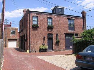 Historic Carriage House - 3BR METRO off U Street