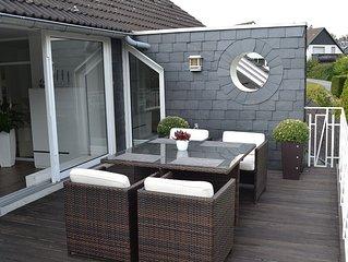Exklusive 100 qm grosse Dachgeschosswohnung in Solingen mit 2 Dachterrassen