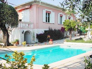 VILLA AVEC PISCINE PRIVEE grand jardin arbore a Cagnes-sur-Mer pour 6 personnes