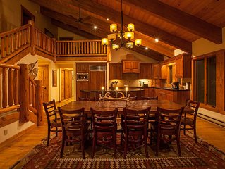 Mountain Lodge, Hot Tub, Close to National Parks and Ski Resort