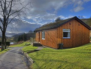 Ash lodge - sleeps 4 guests  in 2 bedrooms