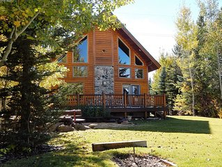 *NEW LISTING* Eagle Ridge Lodge Just 19 miles from YNP gates - sleeps 14