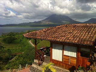 Romantic Bungalow with Pool and Amazing Views of Lake Arenal and Arenal Volcano