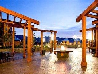 Recently updated garden deck Condo at the Playa Del Sol resort