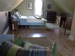 Cozy B&B Minutes From Downtown!