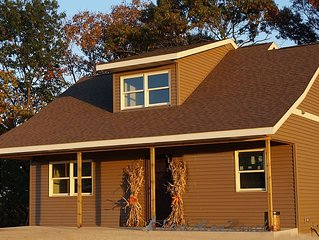 Brand New Beautiful Bluff Country Cottage