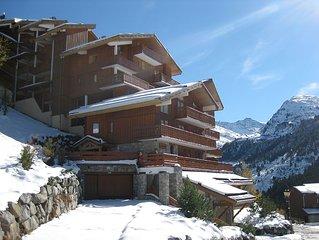A 200m des pistes et ESF. Acces a ski ou a pied. Parking couvert