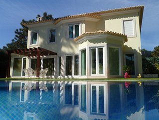 Luxury Villa within Golf Resort, Pool,next to fantastic Beaches(Lisbon-Portugal)