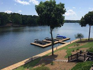 Lakefront Sleeps 8-10, Boat Dock/Kayaks, 2400sq Luxury/Golf Fun/UGA