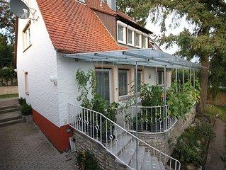 CasaLuna EG Komfortable Ferienwohnung mit Terrasse und Garten