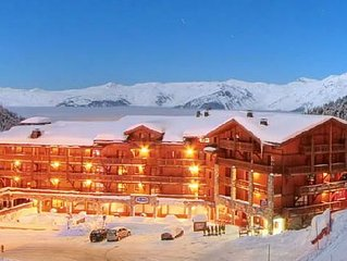 61m2 Apartment Belle Plagne 6/8 people 4* Residence skis on your feet -pool