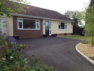 Comfortable, contemporary style Bungalow, glorious views over the Brecon Beacons