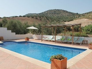 Casa Cruz. Secluded relaxation amongst the olive groves