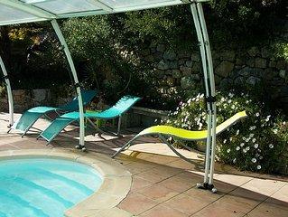 DRAGUIGNAN charmant gite de 45m2 dans villa  avec piscine couverte