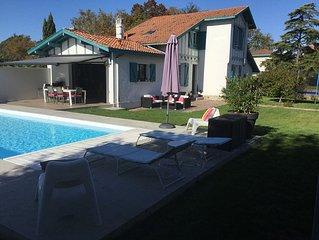 Très belle maison basque, piscine, bodega, jardin